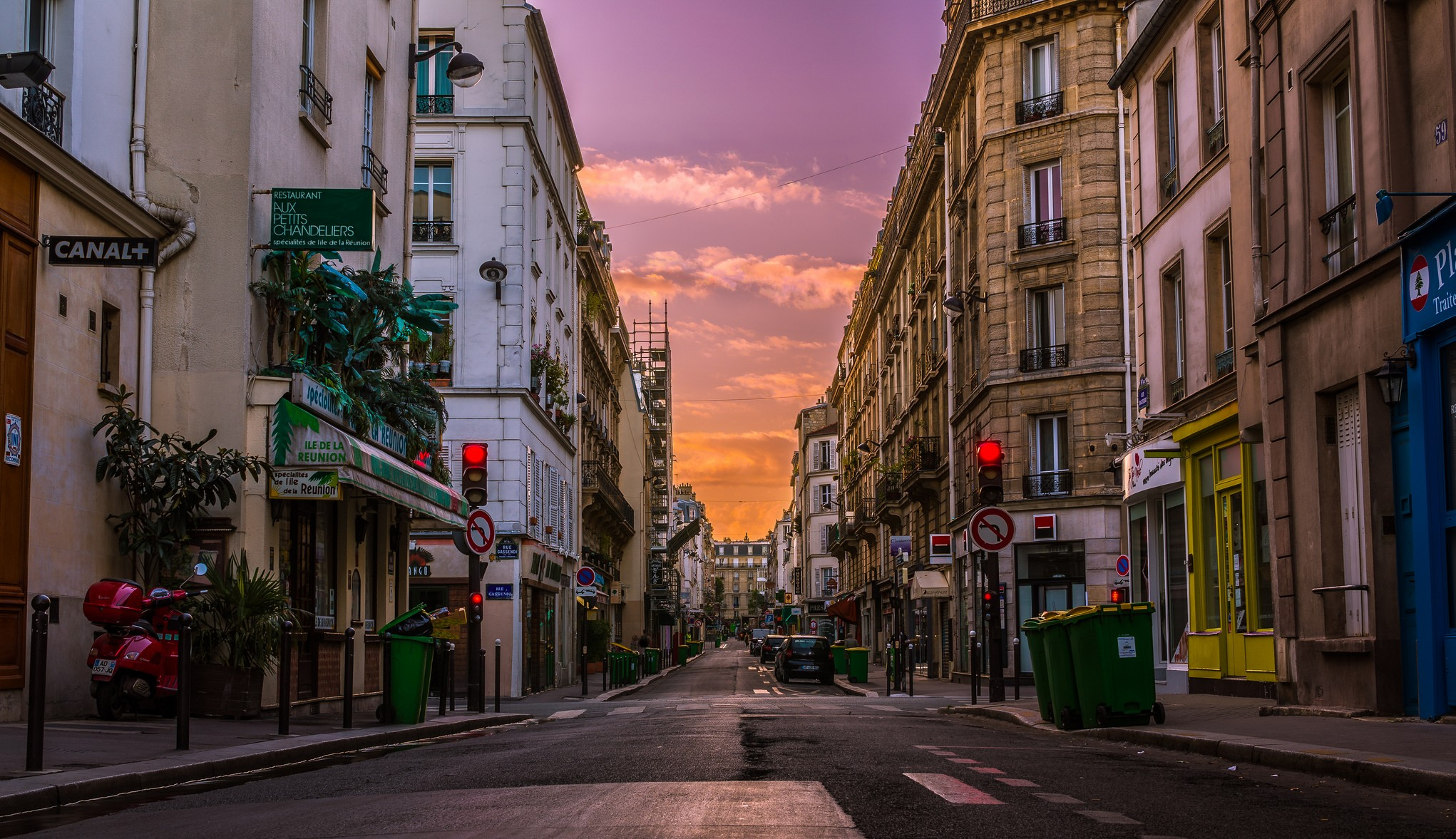 sunrise-on-a-paris-street--tommie-hansen-flickr-e1484816402657